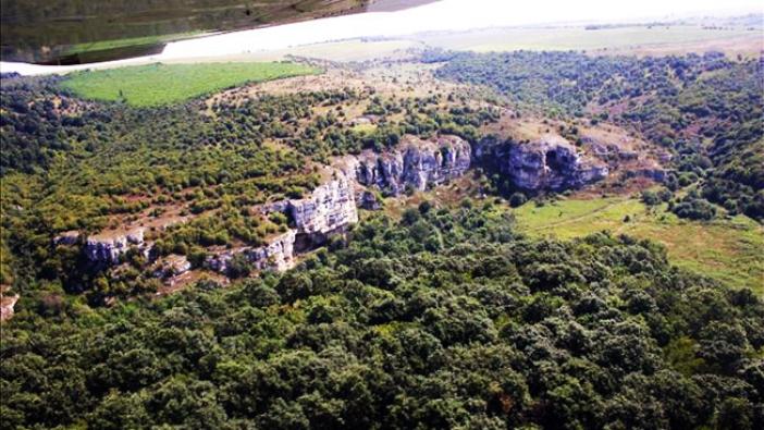 Скални манастири